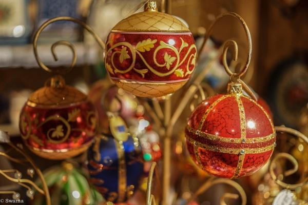 Christmas decoration - Vancouver Christmas Market 2013 by Swarnadip
