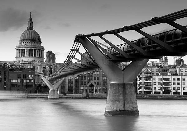 Millenium bridge by jennialexander