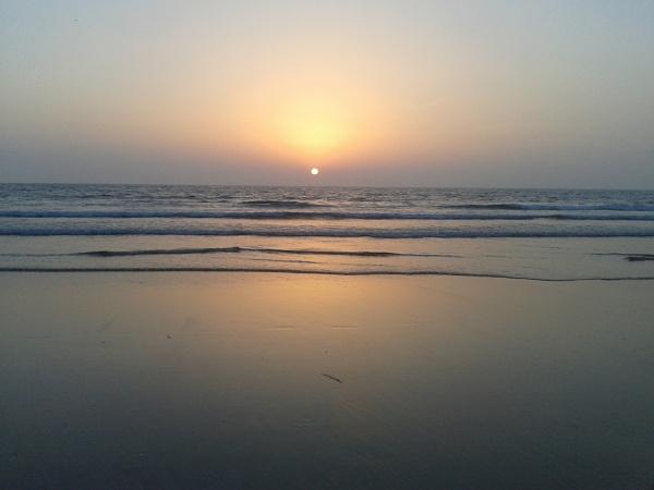 Bidding adieu to the sun by Leelya