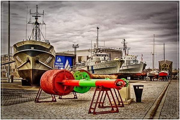Tallinn Shipyards by jason_e