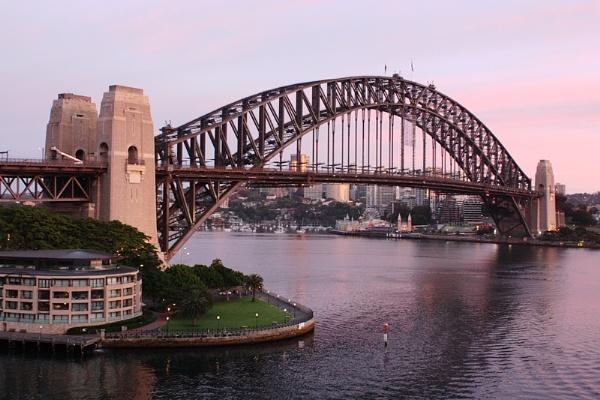 Sydney  Harbour Bridge by salfordcityred