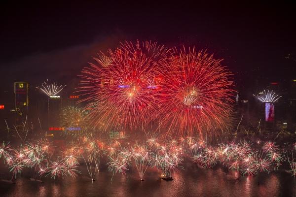 2014 arrives at Hong Kong by Artful_Dodger