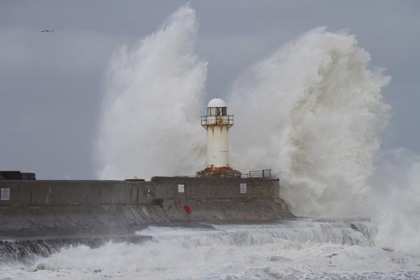 rough sea by robthecamman
