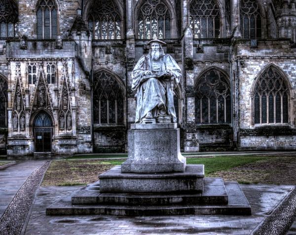 Richard Hooker Statue by Hamlin