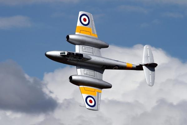 Gloster Meteor by mdoubleya