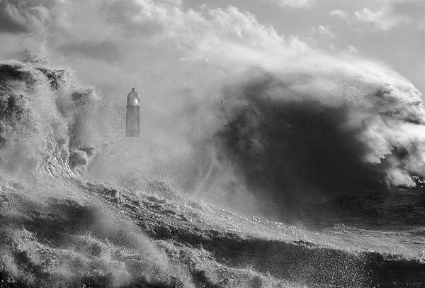 Porthcawls stormy day by hibbz