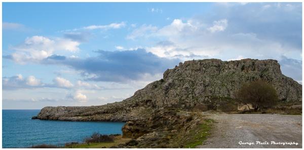 The ruins of Feraklos castle by GeorgePlatis