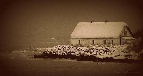 Seaside cottage by STEVELIN