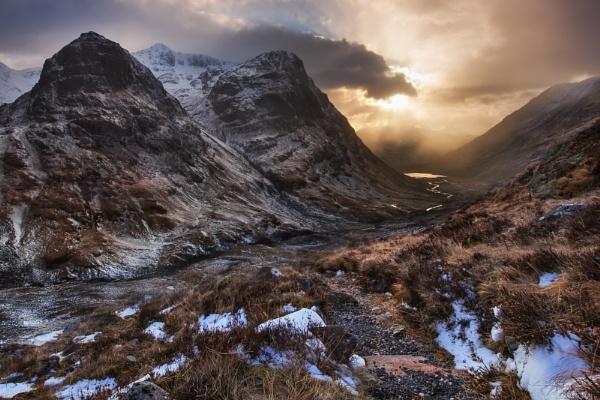 As Darkness Gathers In The Glen by Tynnwrlluniau