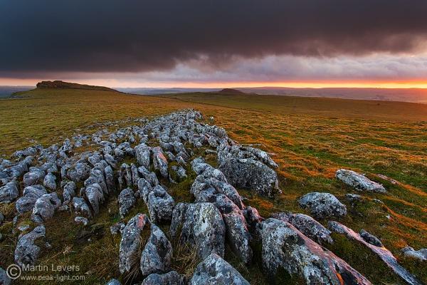 White Peak Sunset by martinl