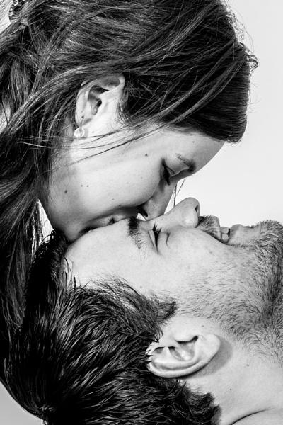 sweet kiss by burd