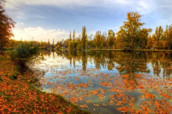 Tiszaligeti csónakázó tó by wacrizphoto
