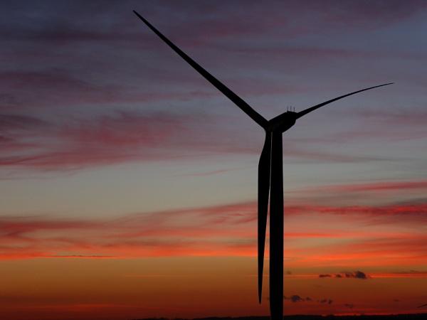 Newthorpe wind Turbine by Adamzy