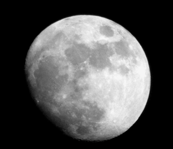Full Moon by ZoeKemp