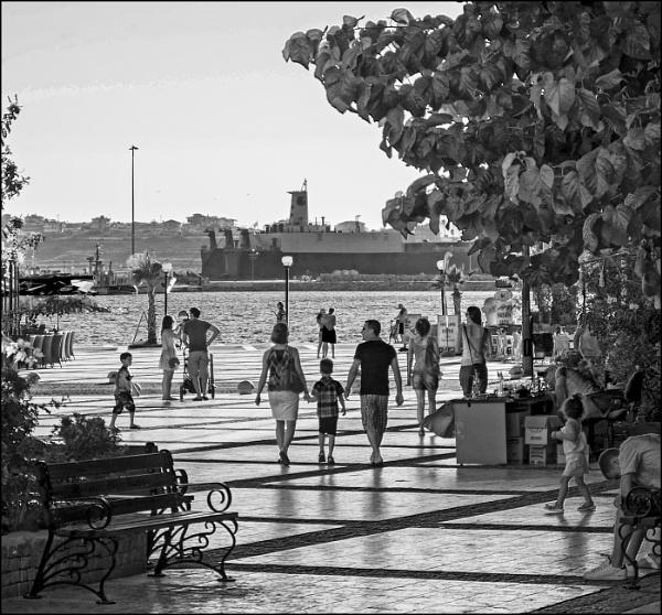A Summer Day in Çesme by nonur