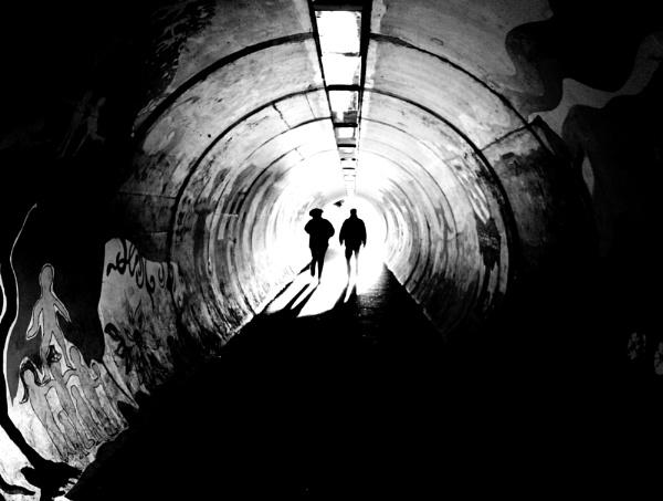 Tunnel by dannyr
