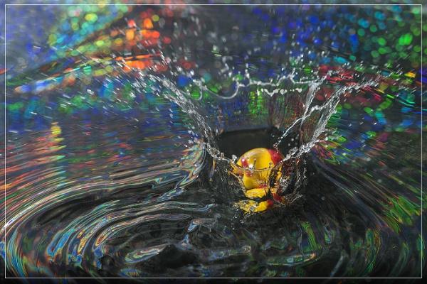Splash by Fotofunguy