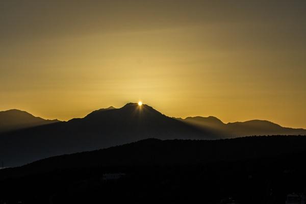 Sunrise 2 by derrymaine