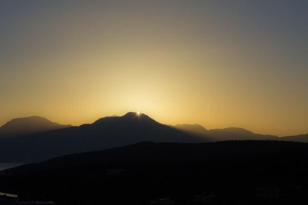 Sunrise 3 by derrymaine