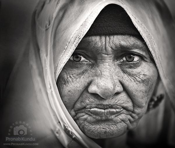 Experienced Glance by pronabk