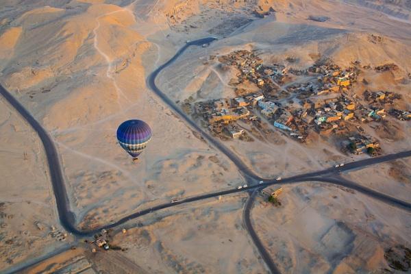 Flight over Egypt by vickyf
