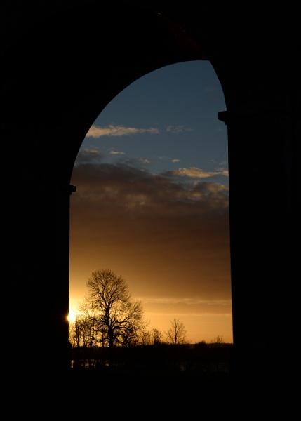 Through an arch at Harringworth by smaso1