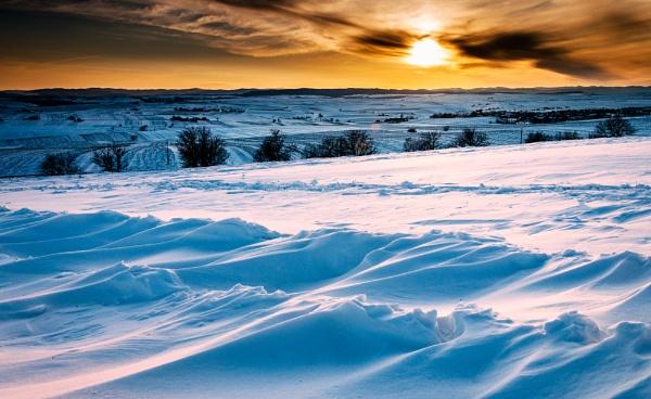 Snow Waves by gabymarian