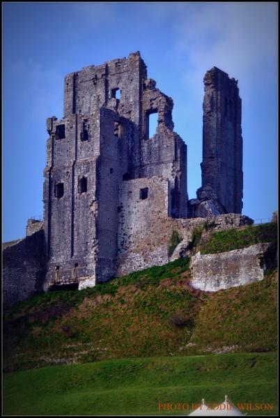 Corfe Castle by eddie1
