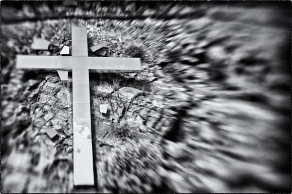 Shattered Cross by sherlob