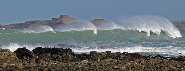 Guernsey surf by jonny250