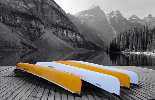 Moraine Lake Canoes by McBunny1972