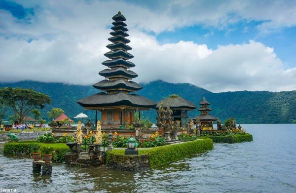 Bedugul Temple - Bali, Indonesia by Swarnadip