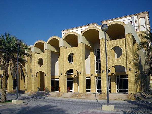 Al Jaidah\'s Ceremonial Building by kombizz