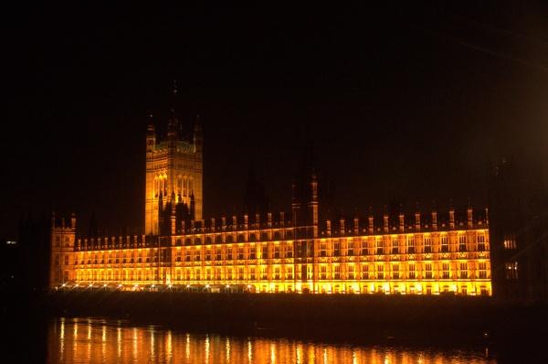 Parliament lit up by eddie1