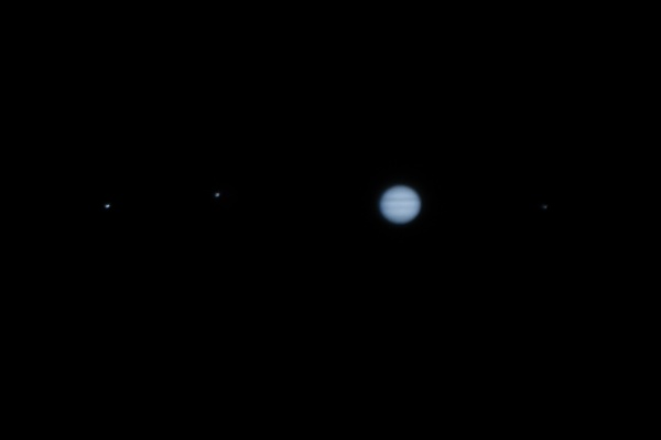 Jupiter and a few moons by gouldii
