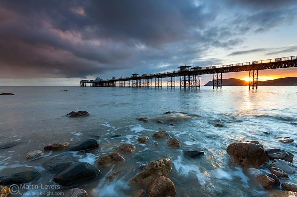 Suns A Pier Ance! by martinl