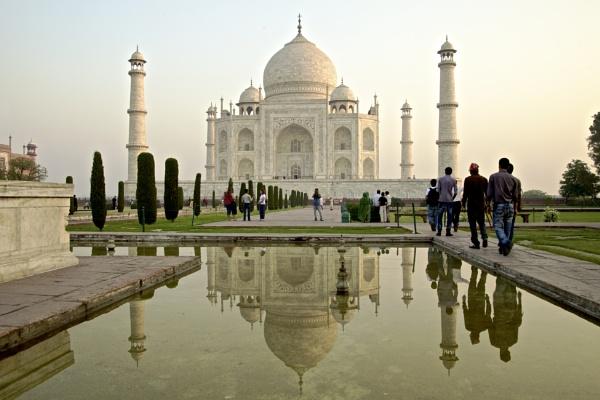Taj reflection by alansnap