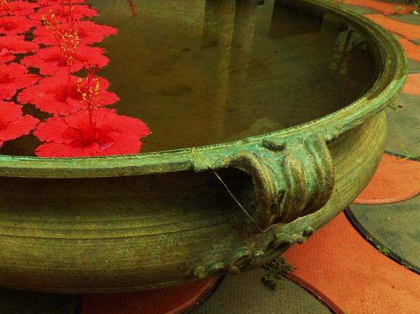 "Pot \""Au Rouge\"" by Chinga"
