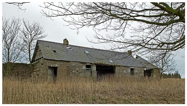 Derelict cottage by lenocm