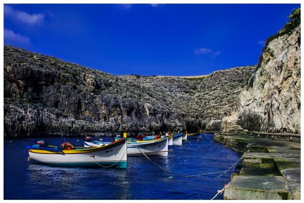 Boats at Wied iz zurrieq by Sgtborg