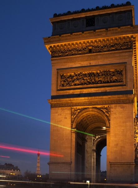 Light Trail in Paris by paul15