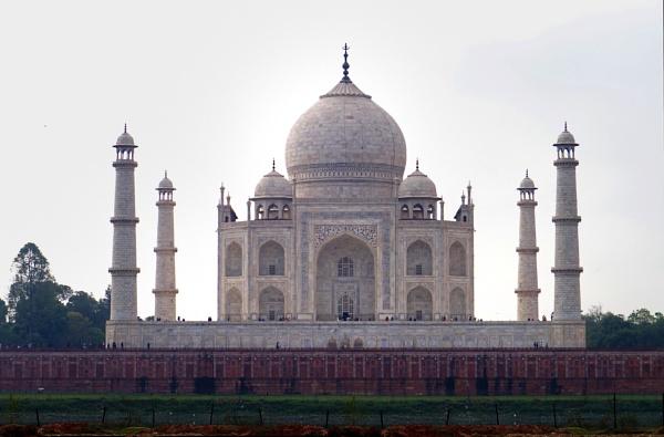 The Taj Mahal--elegant simplicity by motamanx