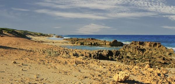 Lucys beach. by mikemullumby