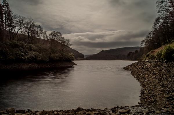 Derwent Reservoir by clempo
