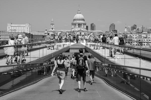 Millenium Bridge. by Nigwel