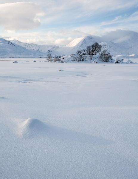 Rannoch Moor in the snow 2 by ESGray