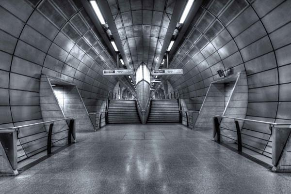 London Underground by amanda0102