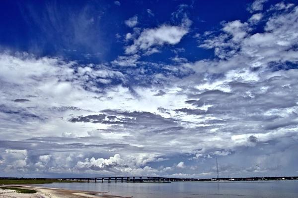 sky w/ clouds by slan57