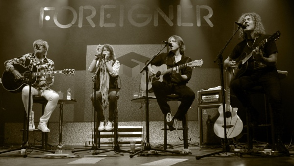 Foreigner by sevenmalt