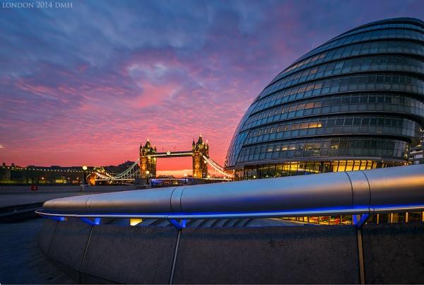 London Fire by dmhuynh72